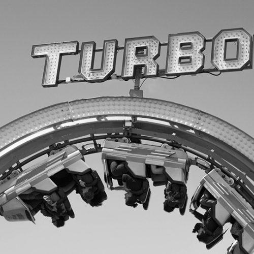 achterbahn schwarzweiss turbo